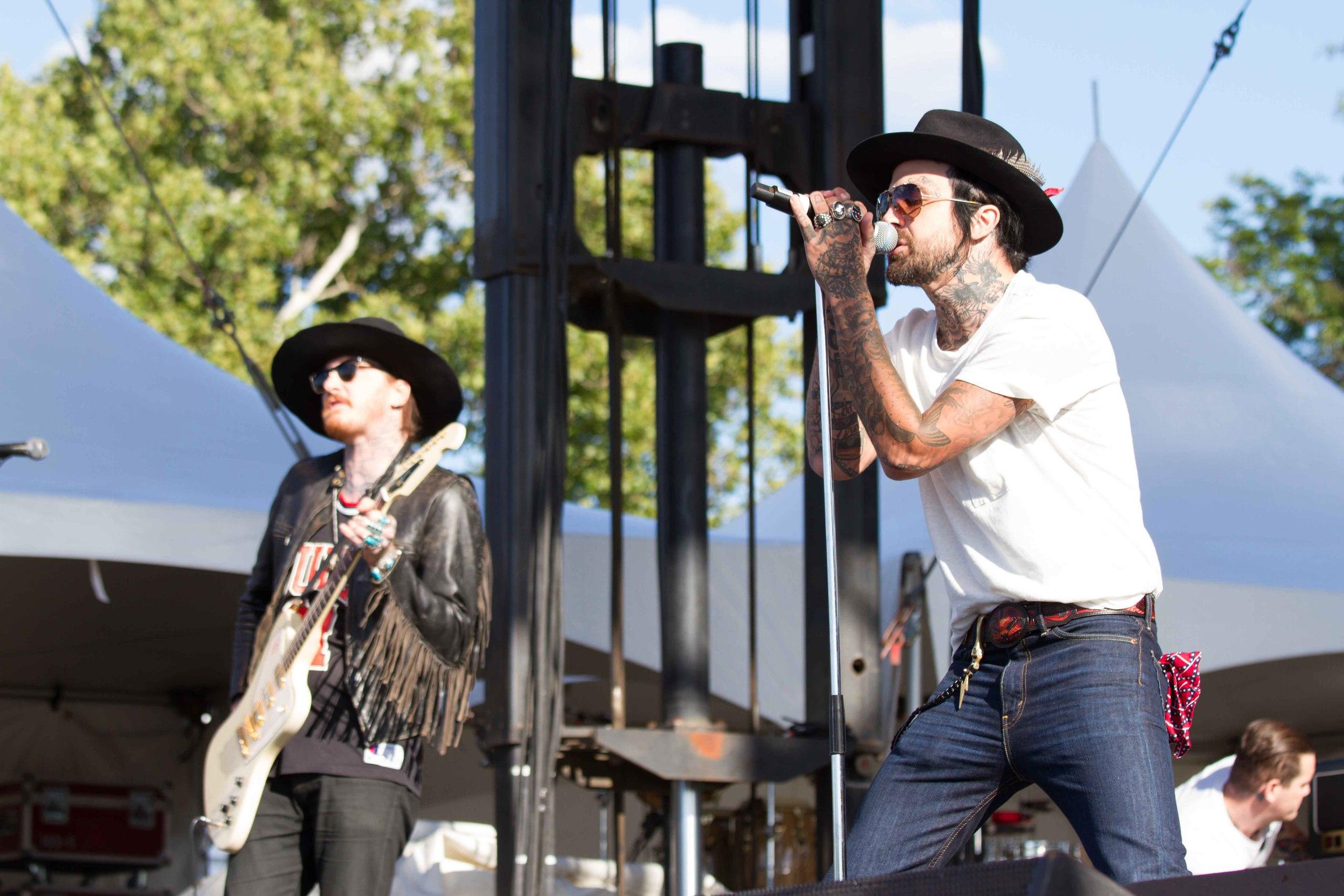 Yelawolf Riot Festival, 30 августа 2015
