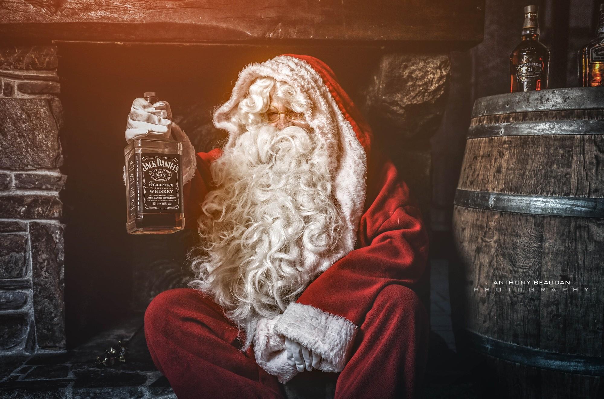Редакция Yelavision поздравляет Вас с наступающим Новым Годом и Рождеством!