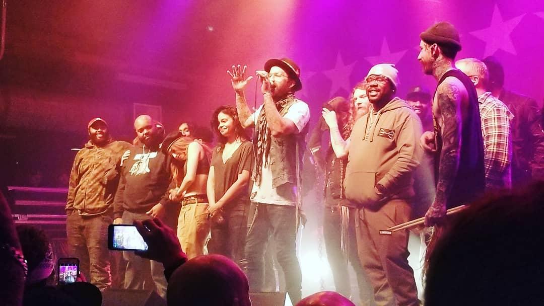 7 декабря в городе Луисвилл, штатт Кентукки, Yelawolf дал завершающий концерт в рамках тура «51/50». На этом закончилась Американская часть его турне.