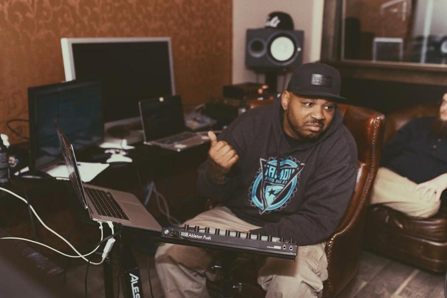 """Продюсер WLPWR рассказывает подробности освоей работе над """"Trunk Muzik3"""" Yelawolf'а"""